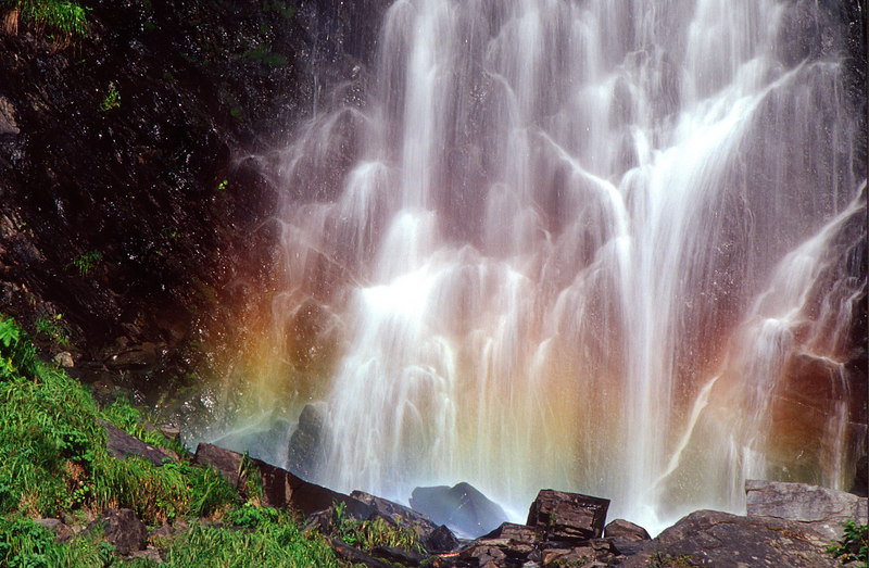 Horsetail Falls Rainbow, Richardson Highway<br /> (Alaska, 2004)
