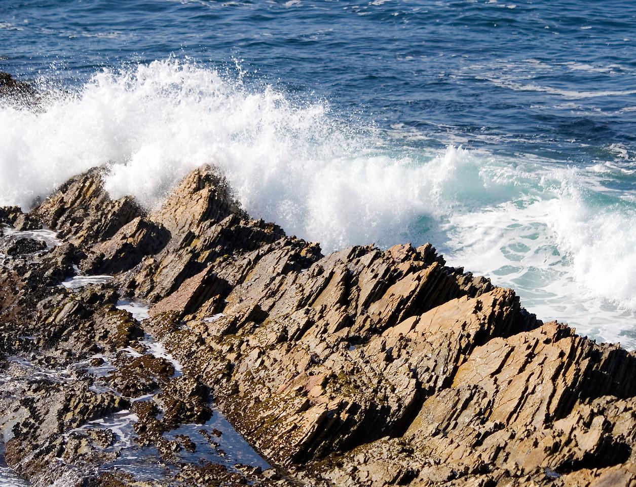Waves, Montana do Oro State Park, California