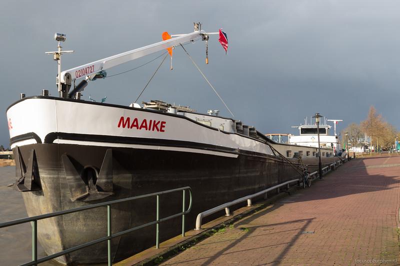 """Maaike, beunschip 02104727 <a href=""""https://www.binnenvaart.eu/motorbeunschip/8553-maarten-tromp.html"""" target=""""_blank"""">info</a>"""