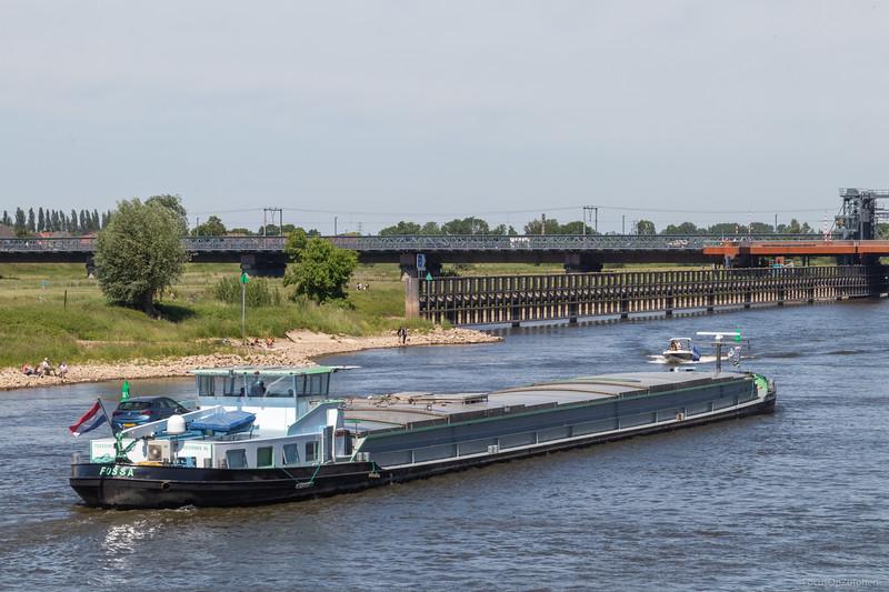 """Fossa, vrachtschip 02315889 <a href=""""https://www.binnenvaart.eu/onbekend/9609-neckarfracht-4.html"""" target=""""_blank"""">info</a>"""