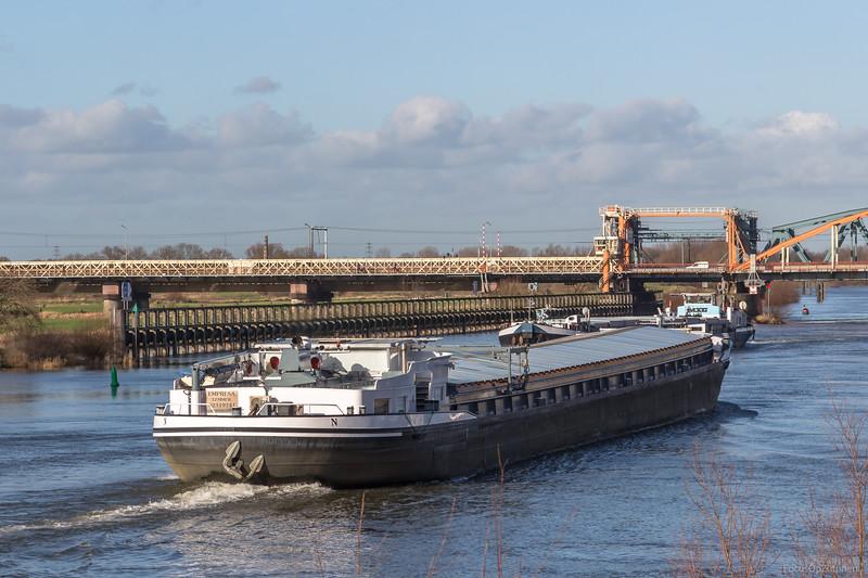 "Empresa, vrachtschip 02319741 <a href=""https://www.binnenvaart.eu/onbekend/25501-franken.html"" target=""blank"">info</a>"