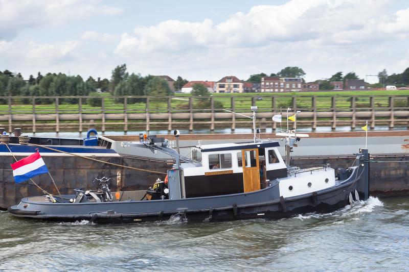 "Orka, sleepboot 02300516 <a href=""https://www.binnenvaart.eu/stoomsleepboot/20515-bolnes-ii.html"" target=""blank"">info</a>"