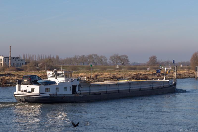 """Repos Ailleurs, vrachtschip 03270622 <a href=""""https://www.binnenvaart.eu/motorvrachtschip/21781-wega.html"""" target=""""blank"""">info</a>"""