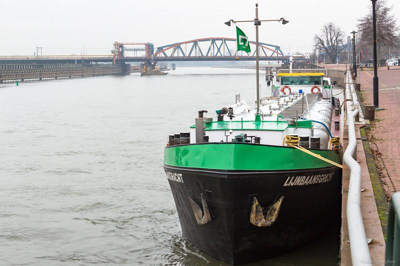 """Lijnbaansgracht, tankschip 02312269 <a href=""""https://www.binnenvaart.eu/motortankschip/2714-lijnbaansgracht.html"""" target=""""blank"""">info</a>"""