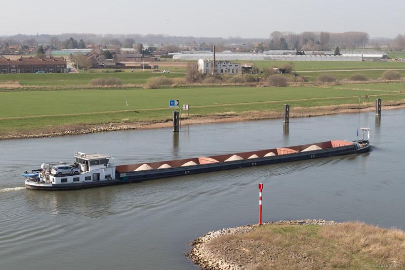 """Mia-Amore, vrachtschip 02314884 <a href=""""https://www.binnenvaart.eu/motorvrachtschip/21639-mia-amore.html"""" target=""""_blank"""">info</a>"""