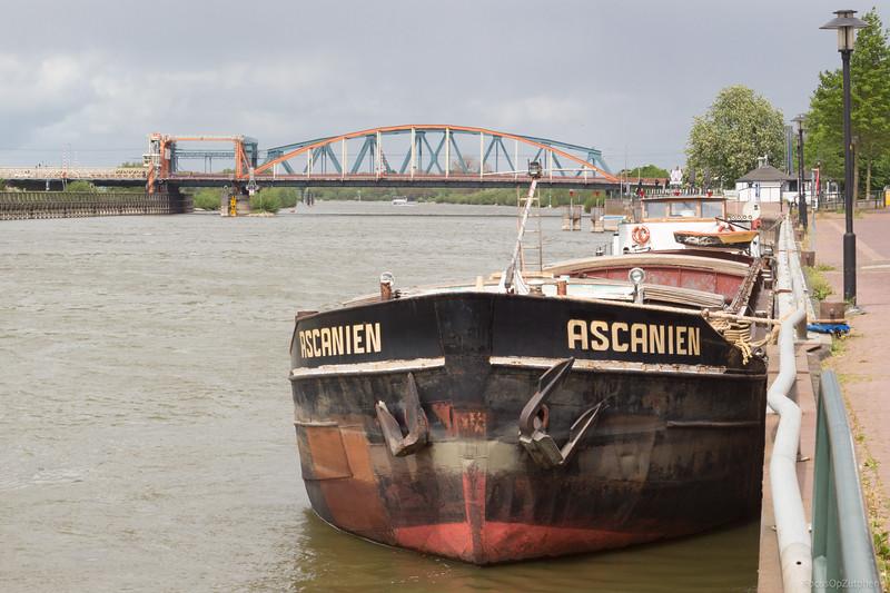"""Ascanien, motorvrachtschip 05104610 <a href=""""http://www.binnenvaart.eu/sleepvrachtschip/13455-ascanien.html"""" target=""""_blank"""">info</a>"""