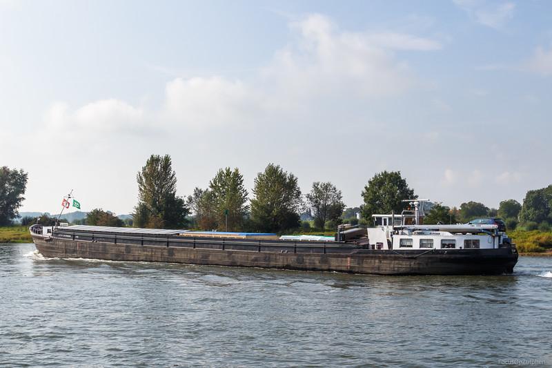 """La Guarda, vrachtschip 03290298 <a href=""""https://www.binnenvaart.eu/motorvrachtschip/10993-maria.html"""" target=""""blank"""">info</a>"""