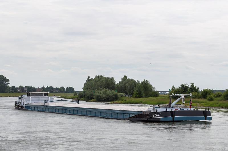 """Flint, vrachtschip 06003831 <a href=""""https://www.binnenvaart.eu/motorvrachtschip/14330-flint.html"""" target=""""blank"""">info</a>"""