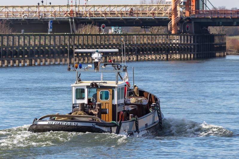 "Daan, sleepboot 02006965 <a href=""https://www.binnenvaart.eu/motorsleepboot/4420-de-zaan.html"" target=""_blank"">info</a>"