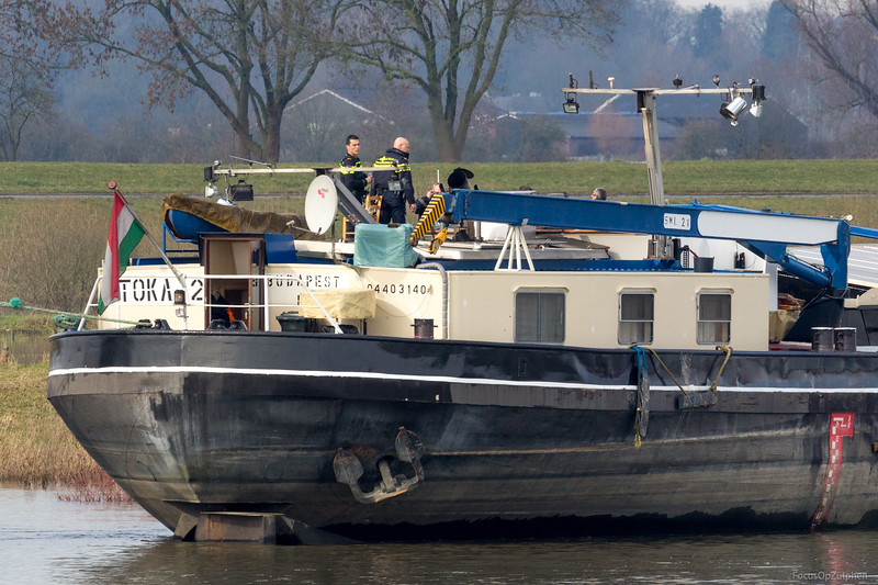 De politie bezoekt het schip