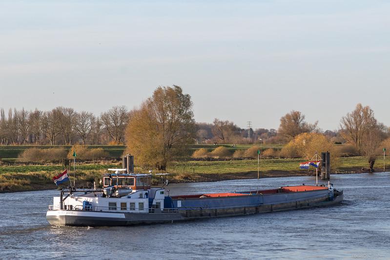"""Studium, vrachtschip 02312124 <a href=""""https://www.binnenvaart.eu/motorvrachtschip/12159-godefrieda.html"""" target=""""_blank"""">info</a>"""