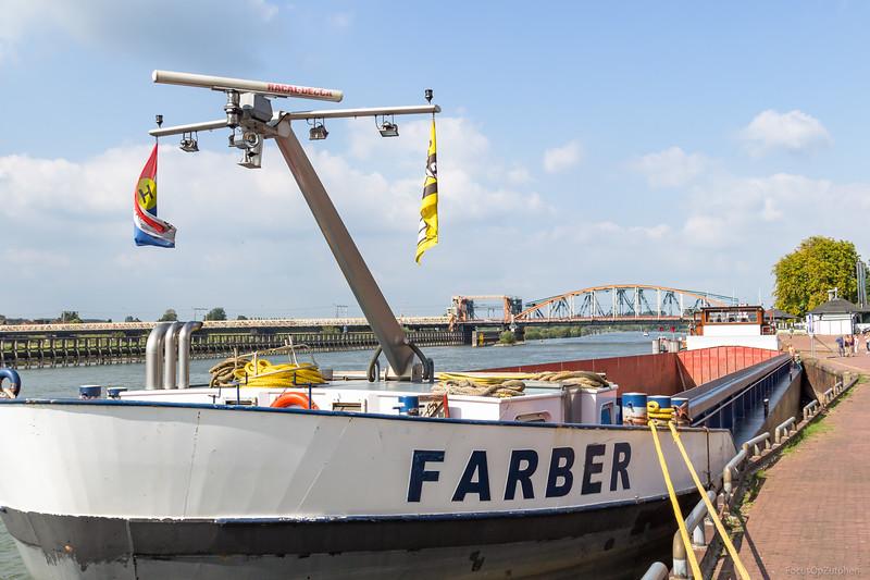 """Farber, vrachtschip 02006940 <a href=""""https://www.binnenvaart.eu/motorvrachtschip/6826-wilhelmina.html"""" target=""""_blank"""">info</a>"""