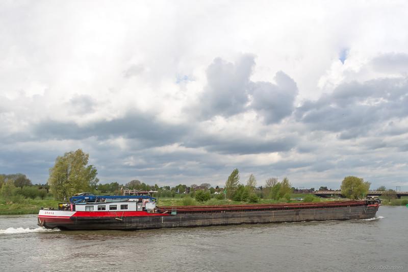 "Brava, vrachtschip 02316394 <a href=""https://www.binnenvaart.eu/onbekend/3449-brava.html"" target=""_blank"">info</a>"