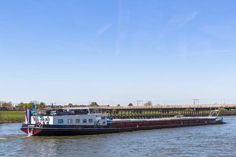 """Concordia, vrachtschip 06003793 <a href=""""https://www.binnenvaart.eu/onbekend/8530-janny.html"""" target=""""_blank"""">info</a>"""