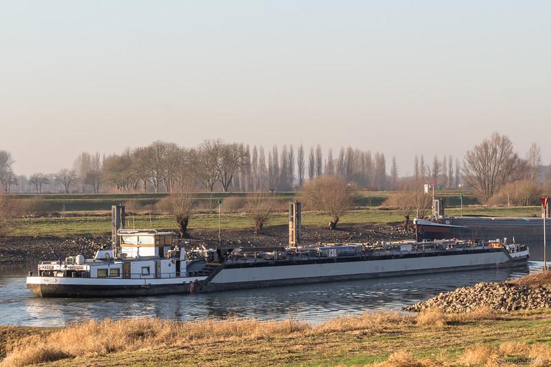 """Wiki, tankschip 04306530 <a href=""""https://www.binnenvaart.eu/onbekend/3673-wiki.html"""" target=""""blank"""">info</a>"""