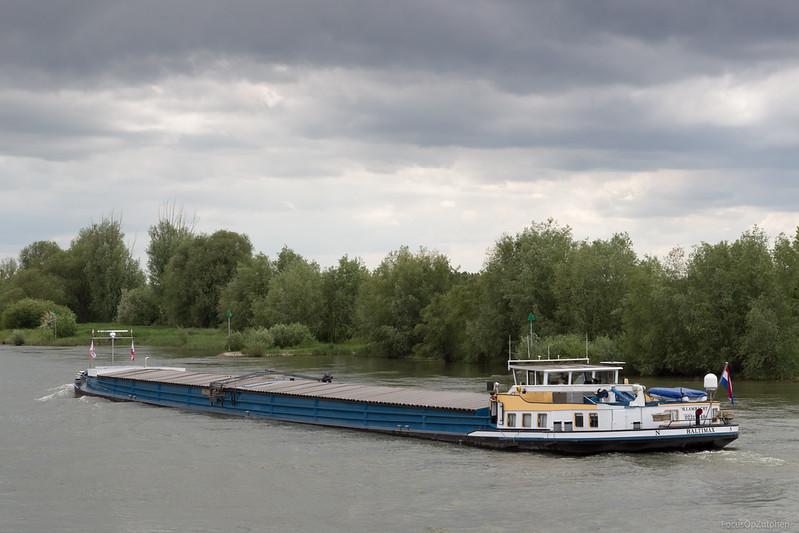 """Motorvrachtschip Baltimax ENI: 02312849 <a href=""""http://www.binnenvaart.eu/sleepvrachtschip/20485-baltimax.html"""">http://www.binnenvaart.eu/sleepvrachtschip/20485-baltimax.html</a>"""