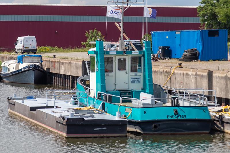 """Dommerholt, veerboot 02208077 <a href=""""https://www.binnenvaart.eu/veerpont/48329-dommerholt.html"""" target=""""_blank"""">info</a>"""