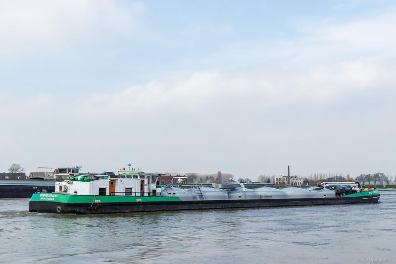 """Spiegelgracht, tankschip 02315151 <a href=""""https://www.binnenvaart.eu/motortankschip/33427-spiegelgracht.html"""" target=""""blank"""">info</a>"""
