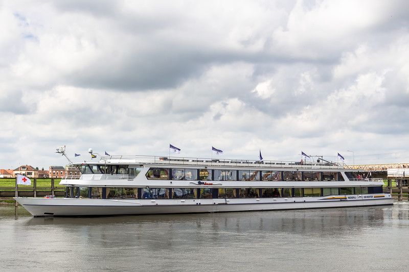"""River Dream, passagiersschip 2326019 <a href=""""https://www.binnenvaart.eu/passagiersschip/9094-river-dream.html"""" target=""""blank"""">info</a>"""