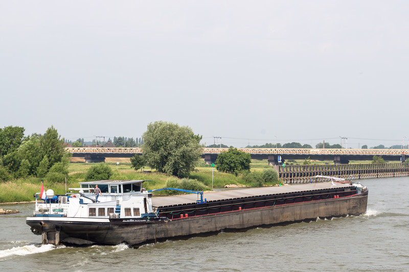 """Endeavour, vrachtschip 02311358 <a href=""""https://www.binnenvaart.eu/motorvrachtschip/22217-tarka.html"""" target=""""_blank"""">info</a>"""