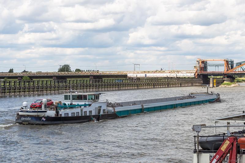 """Gusida, vrachtschip 02319481 <a href=""""https://www.binnenvaart.eu/motorvrachtschip/33163-gusida.html"""" target=""""blank"""">info</a>"""