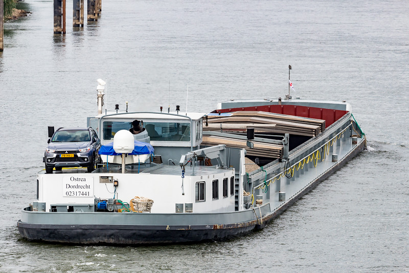 "Ostrea, vrachtschip 02317441 <a href=""https://www.binnenvaart.eu/onbekend/8285-balboa.html"" target=""blank"">info</a>"