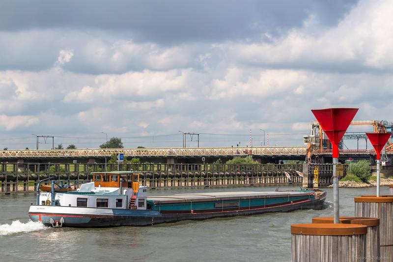 "Viking, vrachtschip 02311622 <a href=""https://www.binnenvaart.eu/motorvrachtschip/6173-maria-veling.html"" target=""_blank"">info</a>"