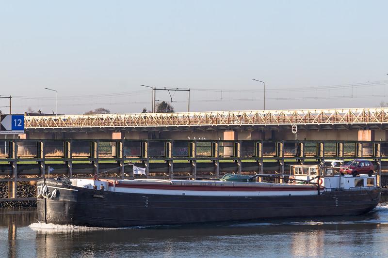 "Heerenschip, vrachtschip 03290226 <a href=""https://www.binnenvaart.eu/motorvrachtschip/17720-realise.html"" target=""blank"">info</a>"