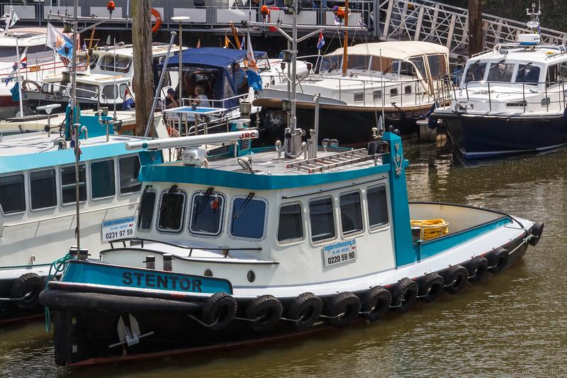 """Stentor, sleepboot 02205990 <a href=""""https://www.binnenvaart.eu/motorsleepboot/28764-stentor.html"""" target=""""blank"""">info</a>"""