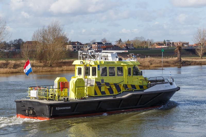 "RWS-58, dienstvaartuig 03900051 <a href=""https://www.binnenvaart.eu/dienstvaartuig/24602-onbekend.html"" target=""blank"">info</a>"