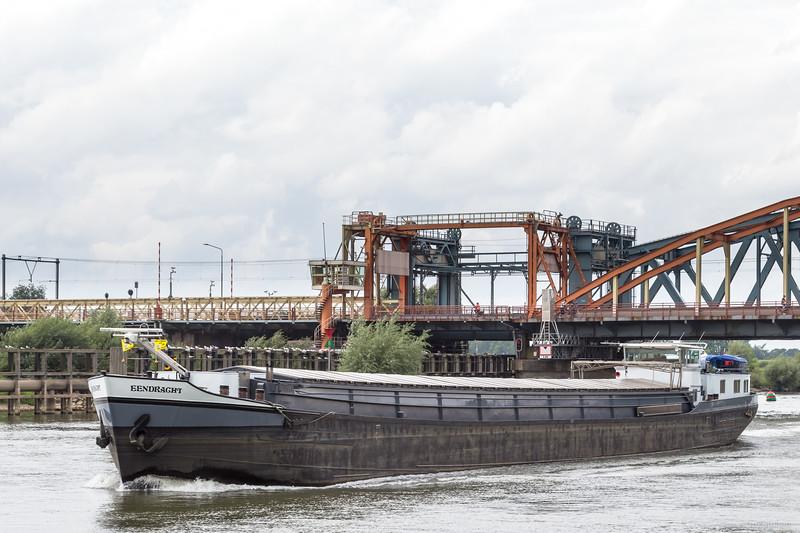 "Eendracht, vrachtschip 02005667 <a href=""https://www.binnenvaart.eu/motorvrachtschip/5788-quota.html"" target=""_blank"">info</a>"