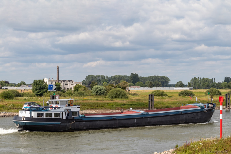 """Linquenba, vrachtschip 02309895 <a href=""""https://www.binnenvaart.eu/motorvrachtschip/9278-clajo.html"""" target=""""blank"""">info</a>"""
