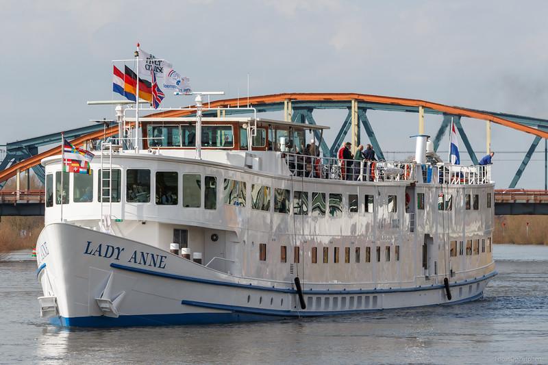 """Lady Anne, passagiersschip 2007059 <a href=""""https://www.binnenvaart.eu/motorvrachtschip/12716-waalwijk.html"""" target=""""_blank"""">info</a>"""