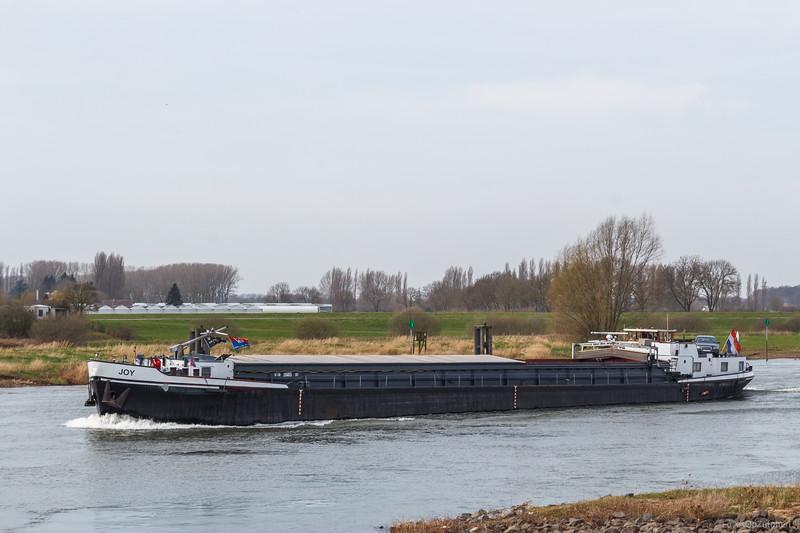"""Joy, vrachtschip 2104875 <a href=""""https://www.binnenvaart.eu/onbekend/24525-helene.html"""" target=""""blank"""">info</a>"""