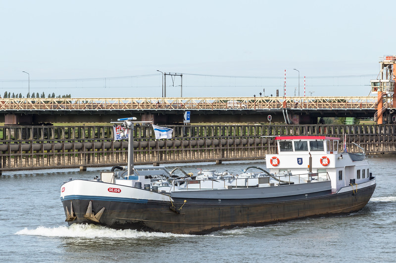 """Dejo-B, tankschip 02005212 <a href=""""https://www.binnenvaart.eu/motorvrachtschip/16582-maarwijk.html"""" target=""""blank"""">info</a>"""