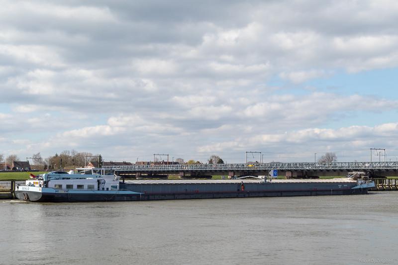 """Dealo, vrachtschip 02326158 <a href=""""https://www.binnenvaart.eu/motorvrachtschip/7010-sunstar.html"""" target=""""_blank"""">info</a>"""