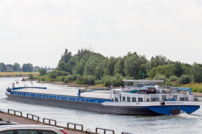 """Ravi, vrachtschip 02324086 <a href=""""https://www.binnenvaart.eu/motorvrachtschip/3628-crigee.html"""" target=""""_blank"""">info</a>"""
