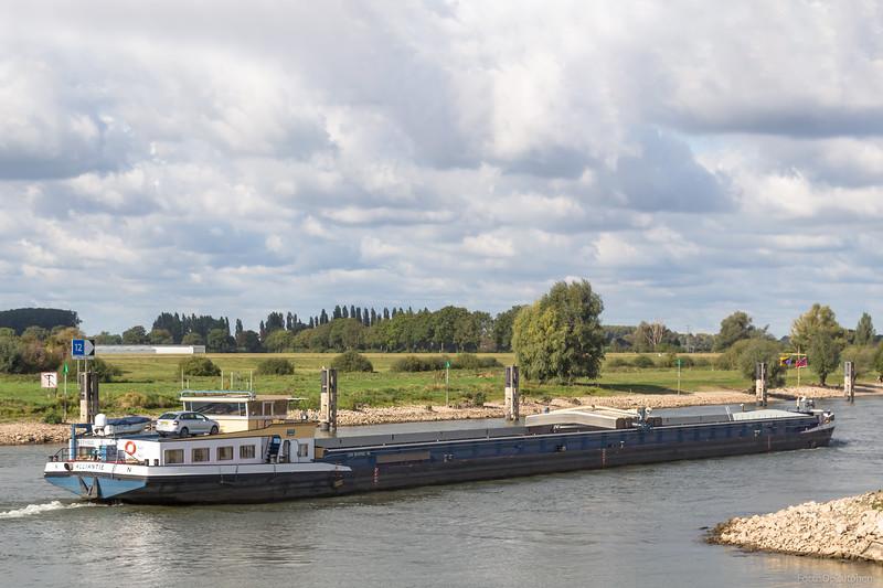 "Alliantie, vrachtschip 02316522 <a href=""https://www.binnenvaart.eu/motorvrachtschip/3084-nomadisch.html"" target=""blank"">info</a>"