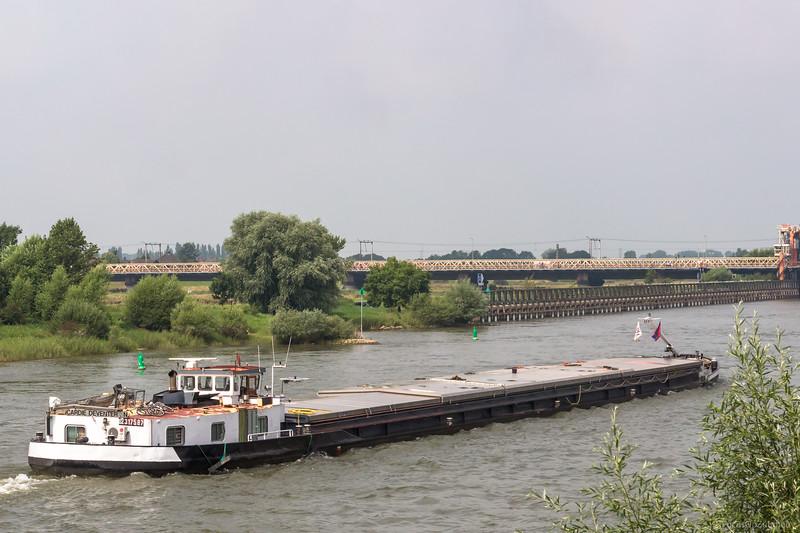 """Cardie, vrachtschip 02317587 <a href=""""https://www.binnenvaart.eu/onbekend/16375-wetterhorn.html"""" target=""""_blank"""">info</a>"""