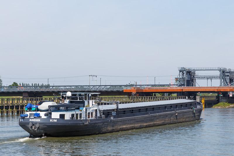 """Kim, vrachtschip 02310018 <a href=""""https://www.binnenvaart.eu/motorvrachtschip/1803-spree.html"""" target=""""blank"""">info</a>"""