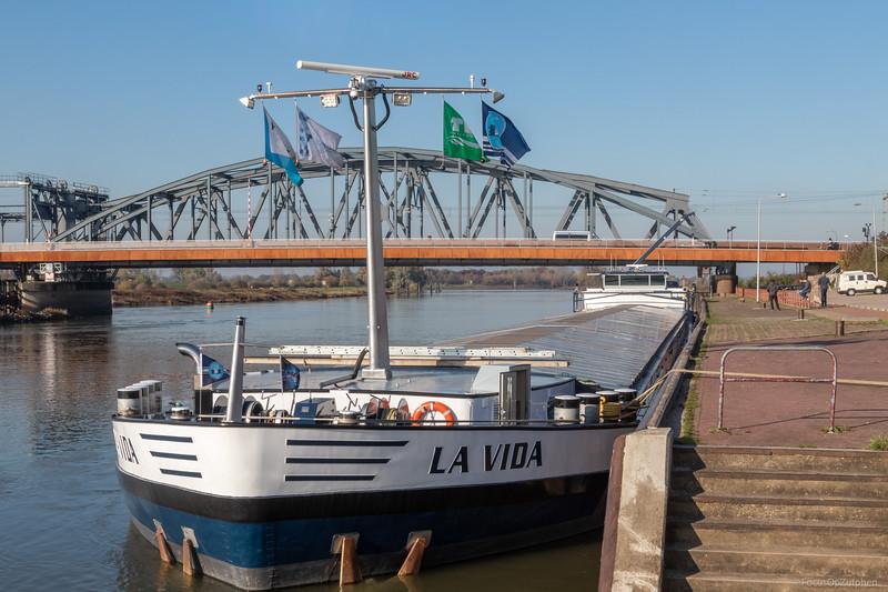 """La Vida, vrachtschip 06002894 <a href=""""https://www.binnenvaart.eu/onbekend/7254-maralko.html"""" target=""""_blank"""">info</a>"""