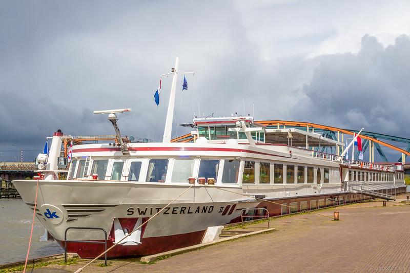 """Switserland II, passagiersschip 02329015 <a href=""""https://www.binnenvaart.eu/onbekend/11914-switzerland-ii.html"""" target=""""_blank"""">info</a>"""