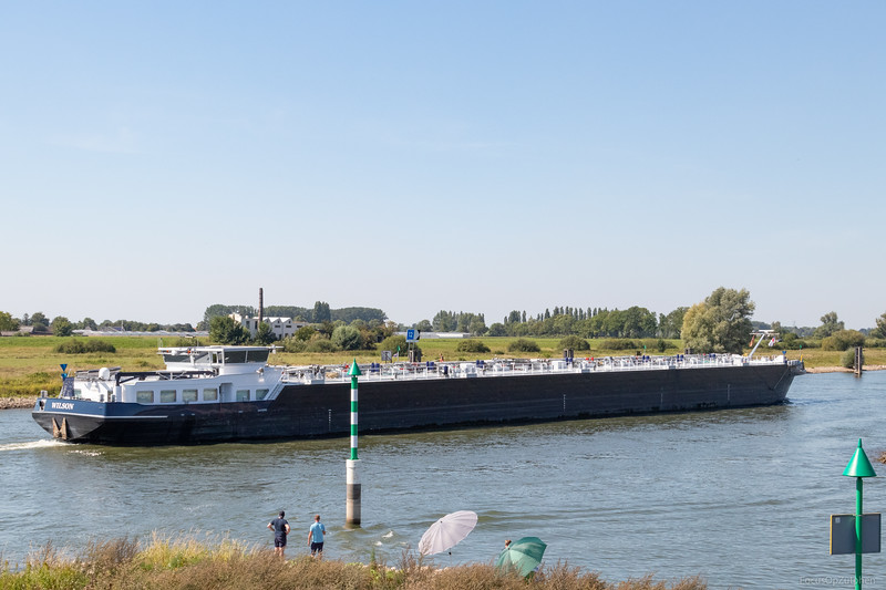 """Wilson, tankschip 02326722 <a href=""""https://www.binnenvaart.eu/motortankschip/2978-provider.html"""" target=""""blank"""">info</a>"""