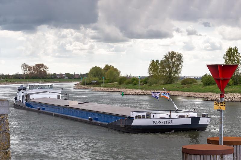 """Kon-Tiki, vrachtschip 02327007 <a href=""""https://www.binnenvaart.eu/onbekend/386-evelyn.html"""" target=""""blank"""">info</a>"""