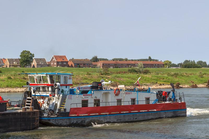 "Bizon B-06, duwboot 08355073 <a href=""https://www.binnenvaart.eu/motorduwboot/38436-bizon-o-06.html"" target=""blank"">info</a>"