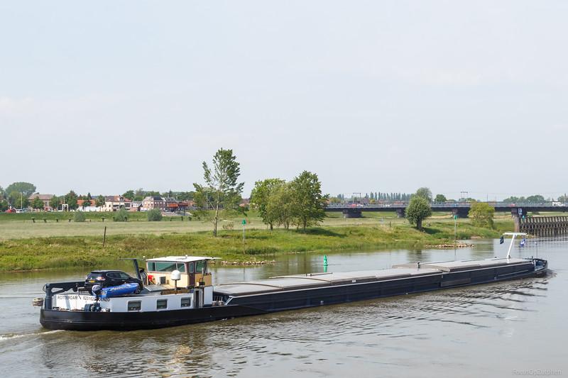 """Denzo, vrachtschip 02310225 <a href=""""https://www.binnenvaart.eu/motorvrachtschip/9594-hanna.html"""" target=""""blank"""">info</a>"""