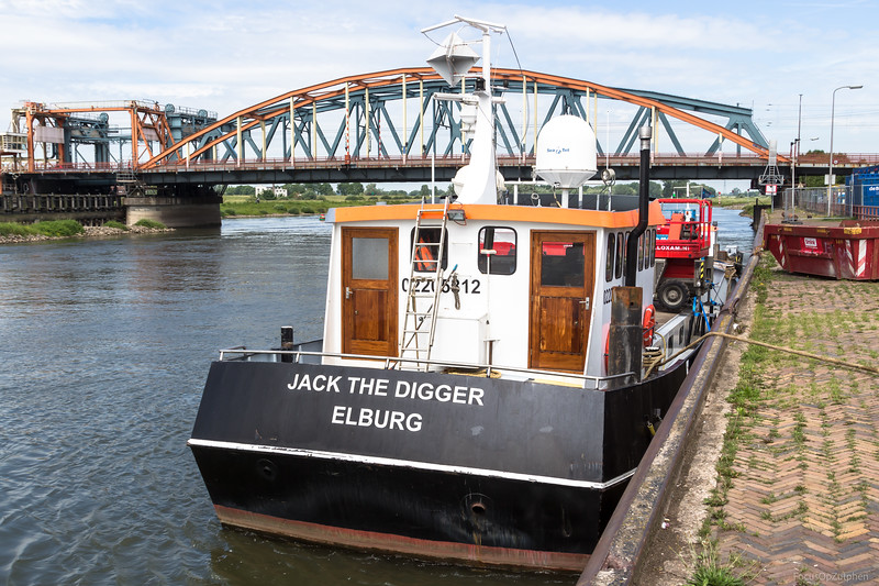 "Jack The Digger, werkvaartuig 02205812 <a href=""https://www.binnenvaart.eu/werkvaartuig/26973-jack-the-digger.html"" target=""blank"">info</a>"