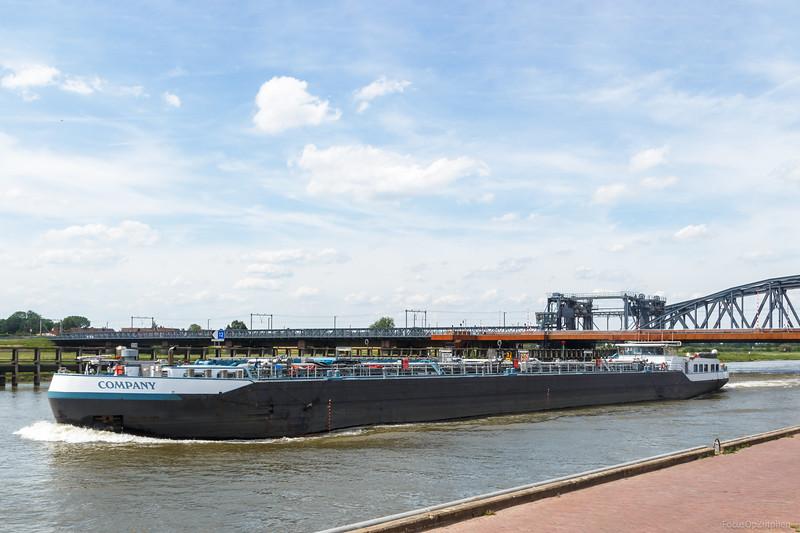 "Company, tankschip 02334271 <a href=""https://www.binnenvaart.eu/motortankschip/11117-casablanca.html"" target=""blank"">info</a>"