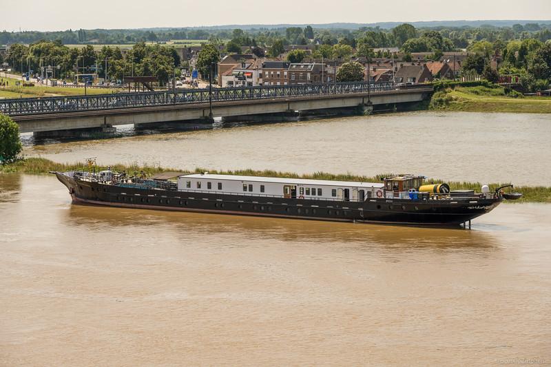 """Princesse Royal, passagiersschip 02324958 <a href=""""https://www.binnenvaart.eu/passagiersschip/1468-princesse-royale.html"""" target=""""_blank"""">info</a>"""