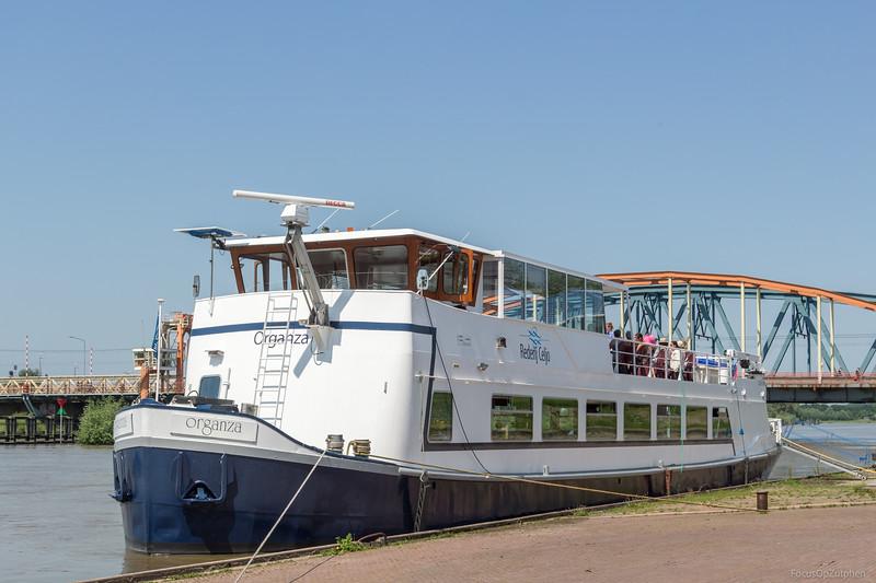 """Organza, passagiersschip  02316706 <a href=""""http://www.binnenvaart.eu/passagiersschip/17540-fortuna.html"""" target=""""blank"""">info</a>"""